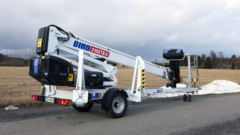 The DINO 210XTB II in the transport position.