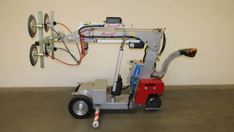The SL 380 Midi glazing robot.
