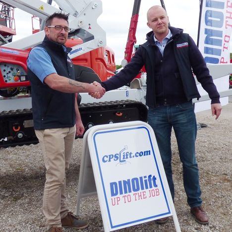 John Burton of CPS Lift and Teemu Ristelä of Dinolift.
