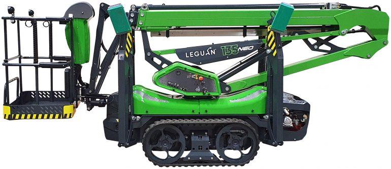 Leguan 135 NEO access platform.