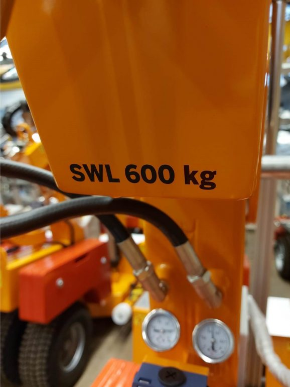 A Smartlift safe working load (SWL) indicator.