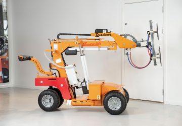 A Smartlift glazing robot.